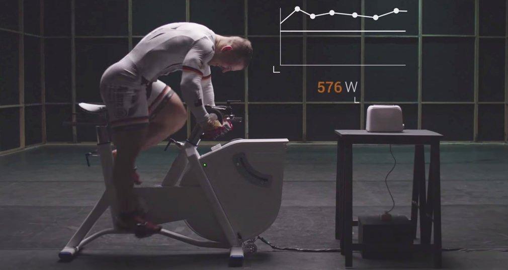 ciclista olimpico contra tostadora